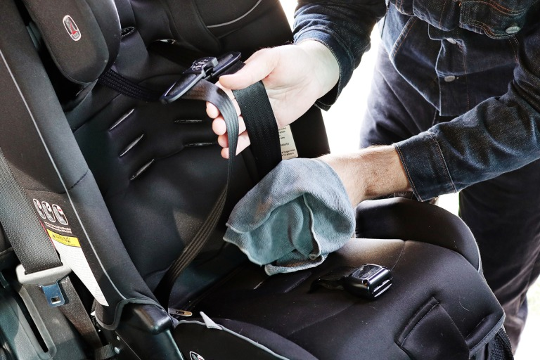 How to Clean Baby Car Seats